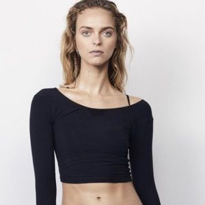NWT WONE luxury activewear top small Crop black